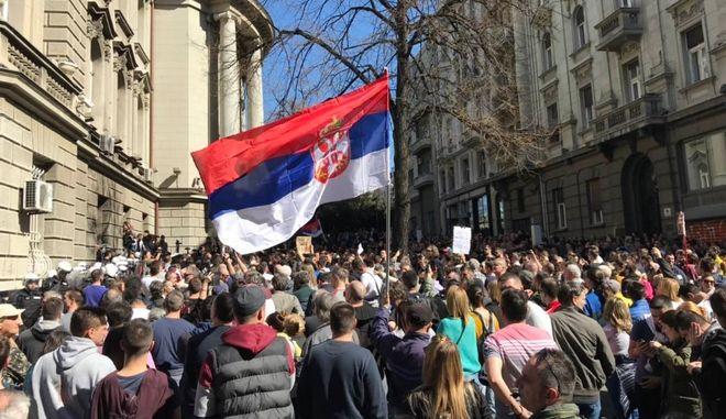 Καζάνι που βράζει η Σερβία: Απέκλεισαν τον Βούτσιτς στο προεδρικό