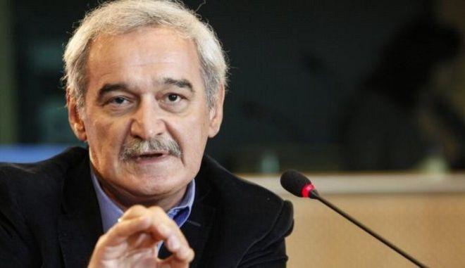 Αποκάλυψη Χουντή: H Κομισιόν αρνείται να βοηθήσει οικονομικά τα ελληνικά νησιά για το προσφυγικό