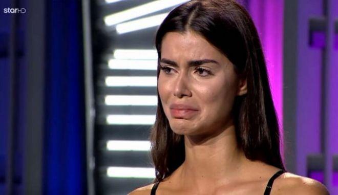 Η Ιωάννα Μπέλλα ξεσπά σε κλάματα μετά την κριτική στο GNTM και το επεισόδιο της πρεμιέρας