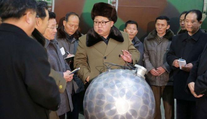 Νέες κυρώσεις στην Πιονγιάνγκ επιθυμεί το Παρίσι μετά την εκτόξευση βαλλιστικού πυραύλου