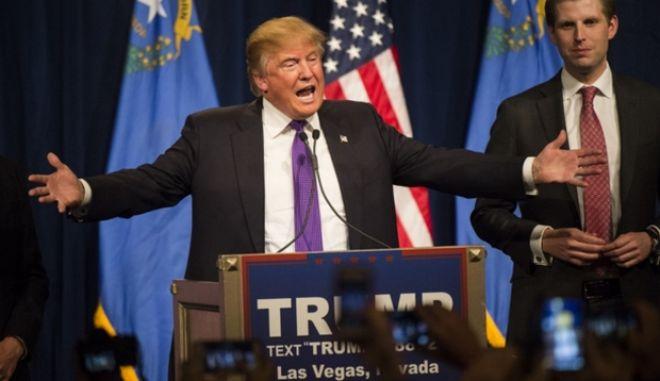 Τραμπ: Θα στείλω τους δικούς μου να χαλάσουν τις συγκεντρώσεις του Σάντερς