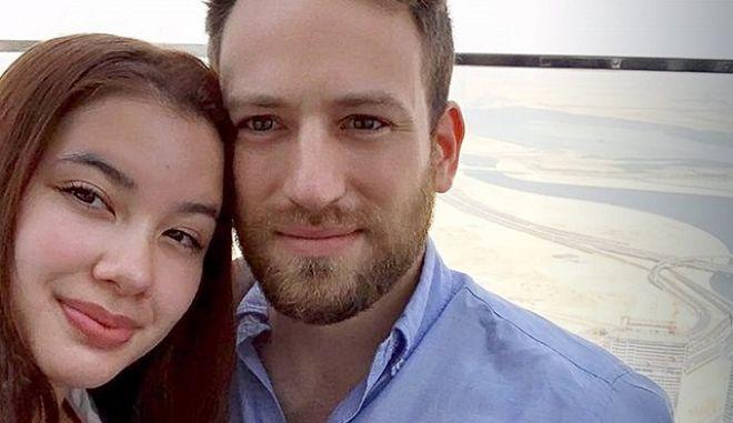 """Γλυκά Νερά: Στο Ανθρωποκτονιών ο σύζυγος της Καρολάιν - """"Μίλησε"""" το smartwatch για τους χρόνους του φονικού"""