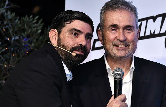 Από αριστερά: Ο διευθυντής του Sport24 και ο Αντιπρόεδρος της Stoiximan Γιάννης Σπανουδάκης