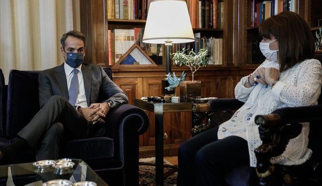 Συνάντηση της Προέρου της Δημοκρατίας Κατερίνας Σακελλαροπούλου με τον Πρωθυπουργό Κυριάκο Μητσοτάκη