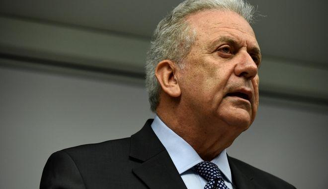 Συνέντευξη τύπου του Επιτρόπου Μετανάστευσης, Εσωτερικών Υποθέσεων και Ιθαγένειας της Ευρωπαϊκής Ένωσης Δημήτρη Αβραμόπουλου για το σκάνδαλο της NOVARTIS, Παρασκευή 9 Φεβρουαρίου 2018. (EUROKINISSI/ΤΑΤΙΑΝΑ ΜΠΟΛΑΡΗ)