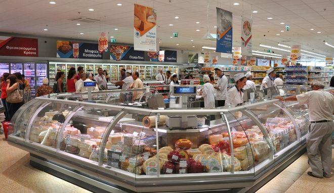Σε κλοιό φημολογίας η αγορά των σούπερ μάρκετ