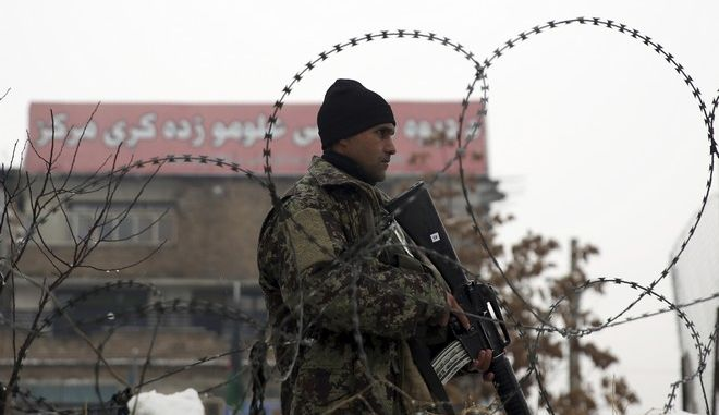 Άνδρας των ενόπλων δυνάμεων στο Αφγανιστάν