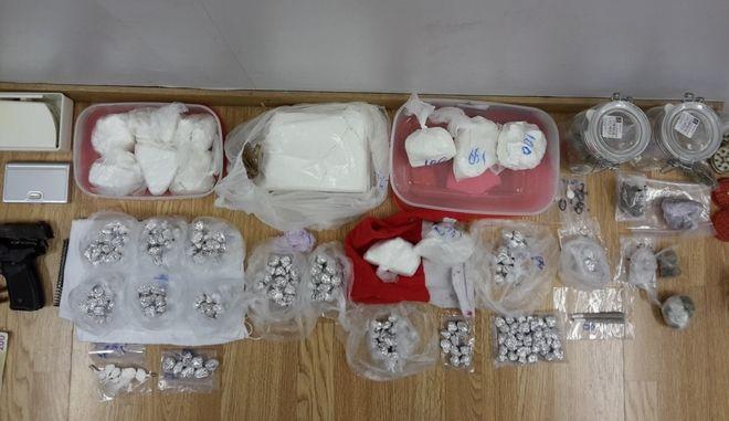 Εξαρθρώθηκε κύκλωμα που διακινούσε ναρκωτικά σε διάφορες περιοχές της Αττικής