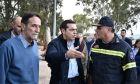 Ο Πρωθυπουργός Αλέξης Τσίπρας πραγματοποίησε σήμερα, Πέμπτη 16 Νοεμβρίου 2017, επίσκεψη στην Μάνδρα Αττικής, η οποία μετρά τις πληγές της μετά το πέρασμα της φονικής κακοκαιρίας. (EUROKINISSI / Γ.Τ. Πρωθυπουργού / Andrea Bonetti)