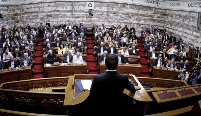 Ο πρωθυπουργός, Αλ. Τσίπρας, κατά τη συνεδρίαση της ΚΟ του ΣΥΡΙΖΑ