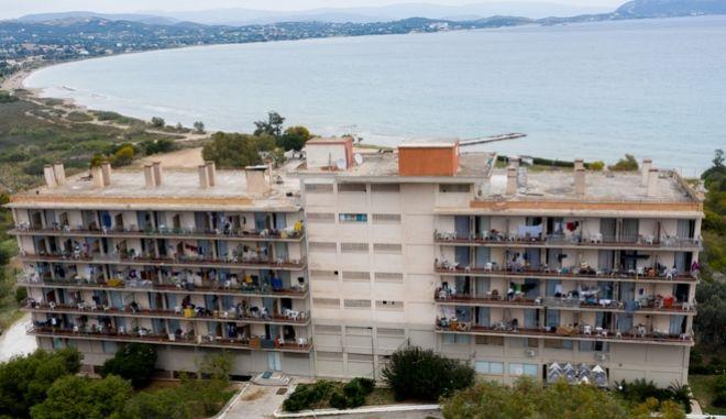 Σε καραντίνα βρίσκεται το Κρανίδι στην Αργολίδα, λόγω κρουσμάτων κορονοϊού σε ξενοδοχείο που φιλοξενούνταν πρόσφυγες και μετανάστες. (EUROKINISSI/ΑΝΤΩΝΗΣ ΝΙΚΟΛΟΠΟΥΛΟΣ)