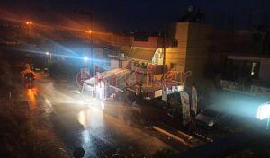Ιανός: Έφτασε στην Κρήτη - Πλημμύρισαν δρόμοι και καταστήματα