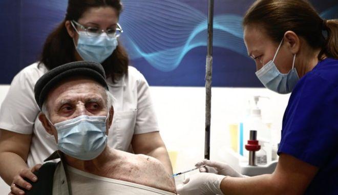 Εμβολιασμός ηλικιωμένου