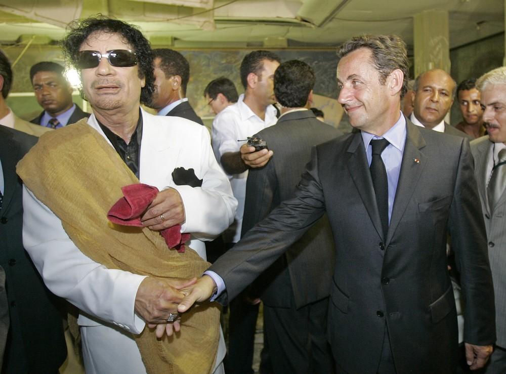 Μουαμάρ Γκαντάφι και Νικολά Σαρκοζί στην επίσκεψη του δεύτερου στην Τρίπολη, 2007