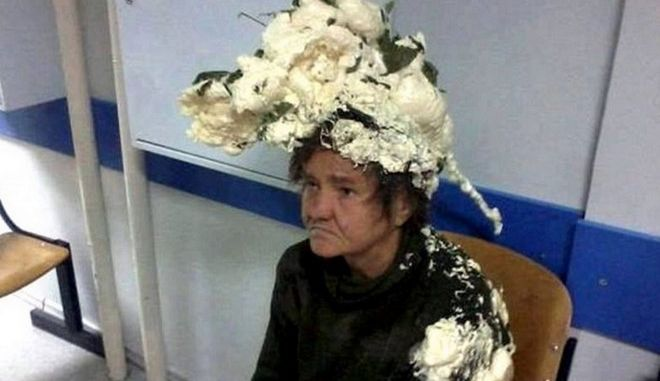 Γιαγιά μπέρδεψε αφρό μαλλιών με τον αφρό οικοδομικών υλικών