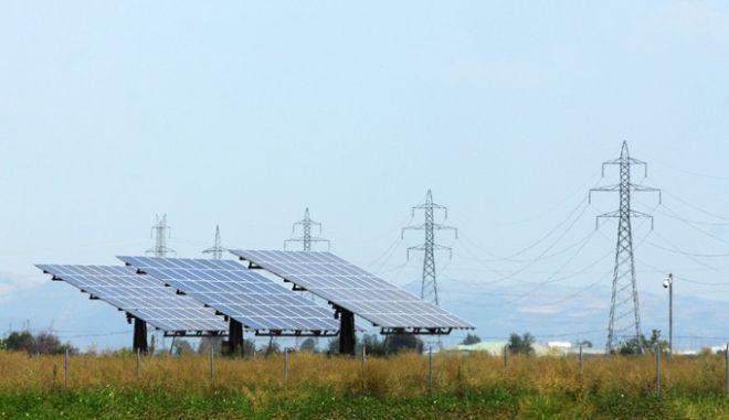 Πολυεθνικές εταιρείες φωτοβολταϊκών έτοιμες να εγκαταλείψουν την Ελλάδα