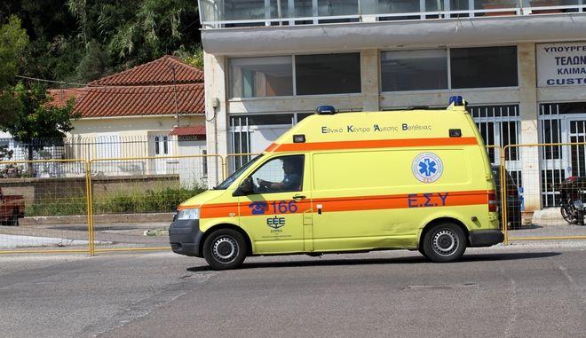 Ασθενοφόρο του ΕΚΑΒ, Φωτο. Αρχείου