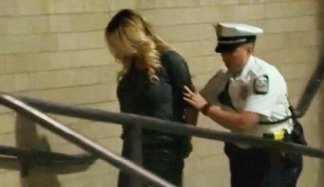 Συνελήφθη η Stormy Daniels