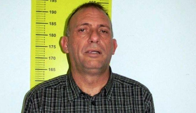 ΡΕΘΥΜΝΟ--Η Αστυνομία έδωσε στη δημοσιότητα φωτογραφίες  του εκπαιδευτικού που ασελγούσε σε βάρος ανήλικων πρόκειται για τον Νικόλαο Σειραγάκη.