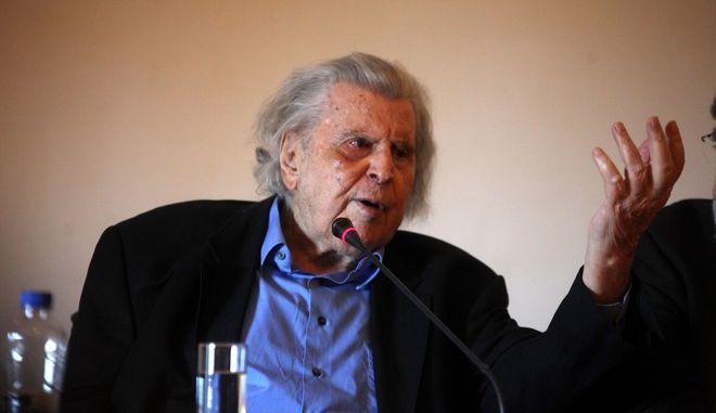 """Συνέντευξη τύπου του σκηνοθέτη Θανάση Παπαγεωργίου, και των συνεργατών της παράστασης """"ΤΟ ΤΡΑΓΟΥΔΙ ΤΟΥ ΝΕΚΡΟΥ ΑΔΕΛΦΟΥ"""" του Μίκη Θεδωράκη, στο πλαίσιο του εορτασμού των 90 χρόνων του συνθέτη, την Τετάρτη 11 Μαρτίου 2015. (EUROKINISSI/ΑΛΕΞΑΝΔΡΟΣ ΖΩΝΤΑΝΟΣ)"""