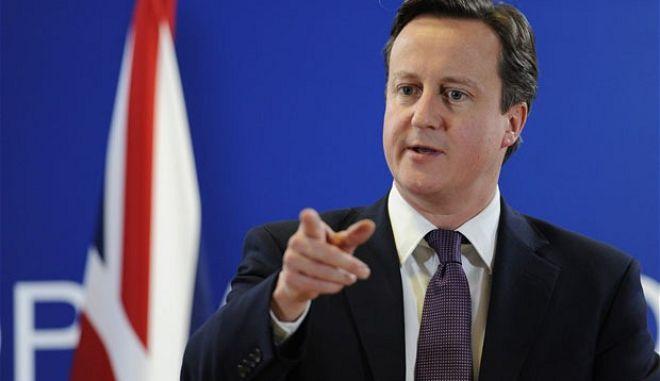 Οι Βρετανοί στηρίζουν τον Κάμερον