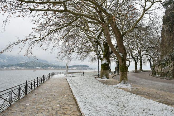Χιονόπτωση στην πόλη των Ιωαννίνων