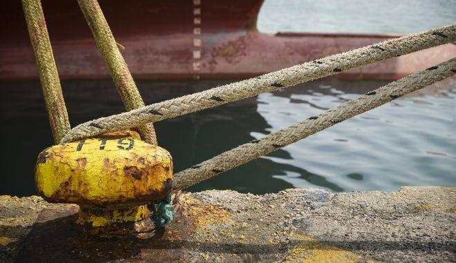 Δεμένα τα πλοία λόγω απεργίας