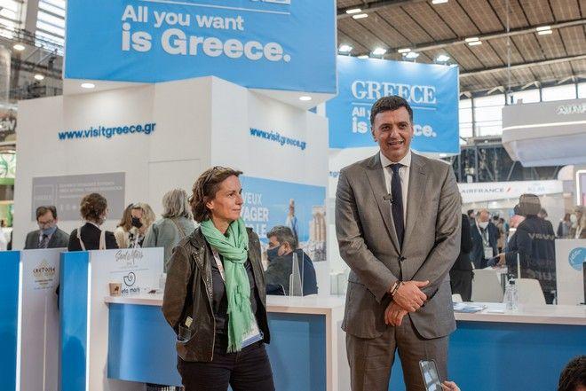 Ο υπουργός Τουρισμό Βασίλης Κικίλιας με τη διευθ. σύμβουλο της Transavia, Nathalie Stubler