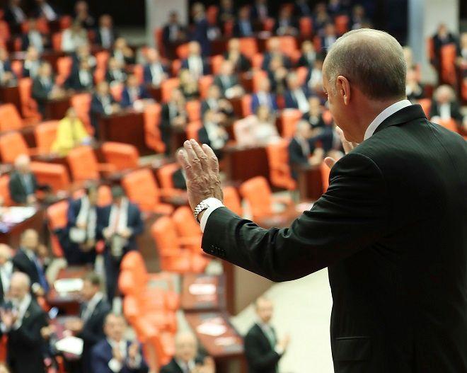 Ο Ταγίπ Ερντογάν στο τουρκικό κοινοβούλιο στις 7 Ιουλίου 2018