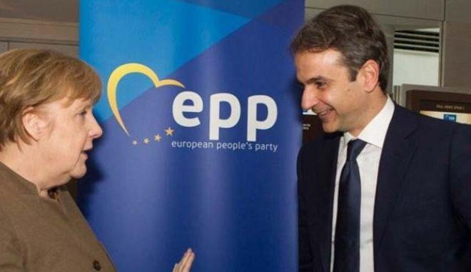 Μητσοτάκης σε Μέρκελ: Χρειάζεται ένα άλλο μείγμα δημοσιονομικής πολιτικής