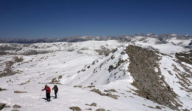 Χιονισμένες βουνοκορφές