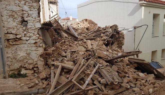 Κατέρρευσε σπίτι στην Πνύκα