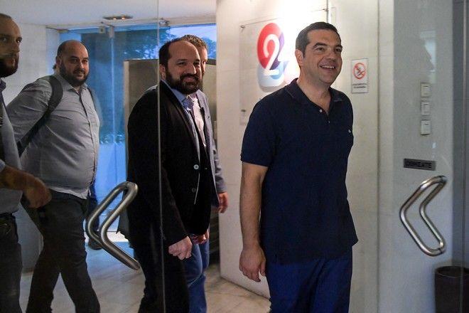 Ο πρωθυπουργός και Πρόεδρος του ΣΥΡΙΖΑ Αλέξης Τσίπρας στα γραφεία της 24MEDIA.