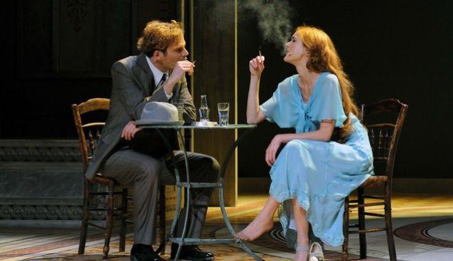 """Στιγμιότυπο από την παράσταση """"Η μεγάλη χίμαιρα"""" στο θέατρο Πορεία"""