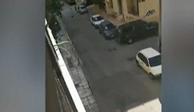 Εικόνα από το περιστατικό με πυροβολισμούς στον Κολωνό