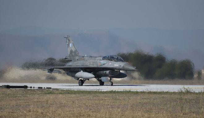 Επίσκεψη του Πρωθυπουργού Αλέξη Τσίπρα στην 110 Πτέρυγα Μάχης της Πολεμικής Αεροπορίας στην Λάρισα. Πέμπτη 12 Οκτωβρίου 2017 (Γ.Τ. ΠΡΩΘΥΠΟΥΡΓΟΥ/ ANDREA BONETTI)