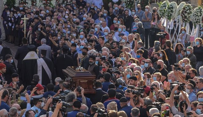Ο Μίκης Θεοδωράκης αναπαύεται στην κρητική γη όπως το ήθελε - Η Ελλάδα τον ευγνωμονεί