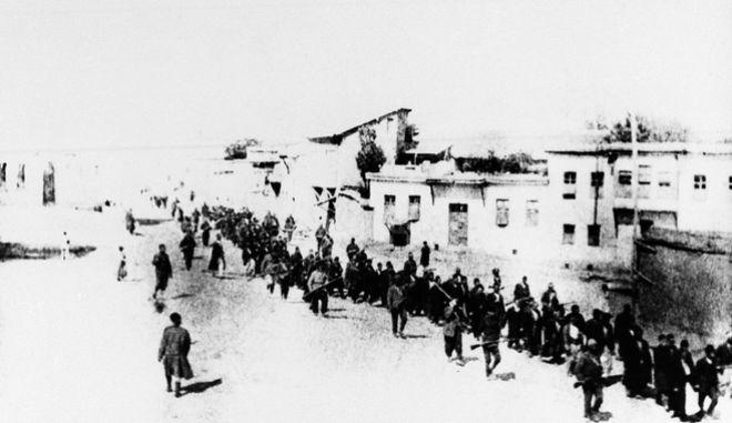 Απρίλιος 1915