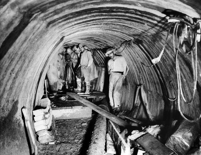 Εργασίες μηχανικών για την κατασκευή της Σήραγγας Μπογιατίου