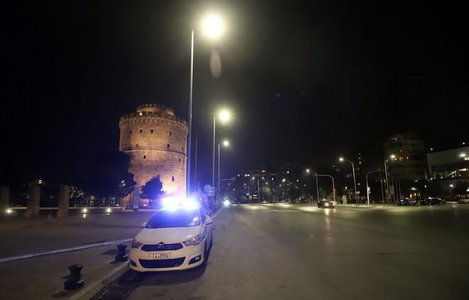 Πρώτη ημέρα απαγόρευσης κυκλοφορίας από τις 21.00 στη Θεσσαλονίκη
