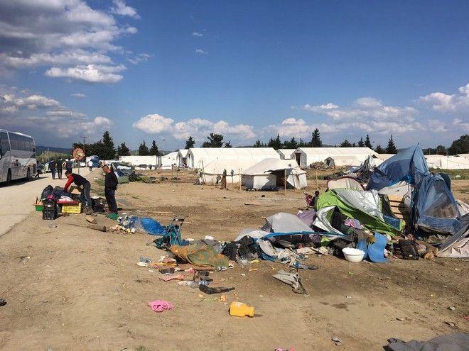 Γιατροί Χωρίς Σύνορα: Υποχρεωτική μεταφορά χιλιάδων προσφύγων προς το άγνωστο