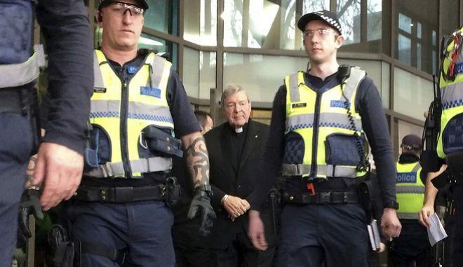 Σε δίκη για σεξουαλικά εγκλήματα το δεξί χέρι του Πάπα