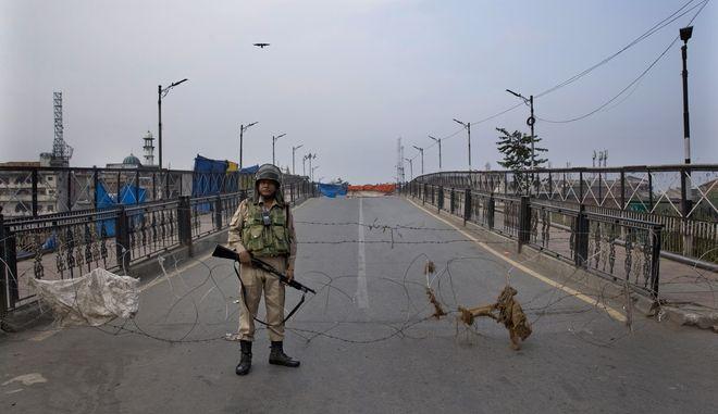 Στρατιώτης στο Κασμίρ