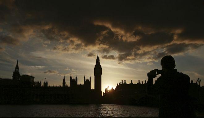 Βρετανία: Μεγάλο προβάδισμα έναντι των Εργατικών για τους Συντηρητικούς της Σκωτίας