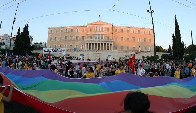 Στιγμιότυπο από το 9ο Athens Pride στο Σύνταγμα, το Σάββατο 8 Ιουνίου 2013.