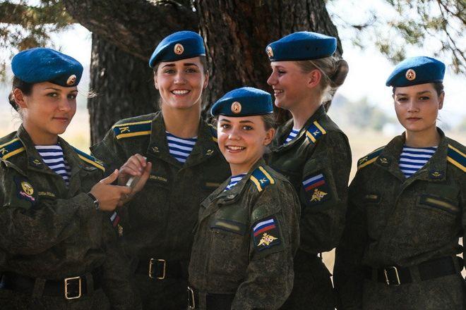 Θανατηφόρα ομορφιά: Οι Ρωσίδες επίλεκτες κομάντο του Πούτιν