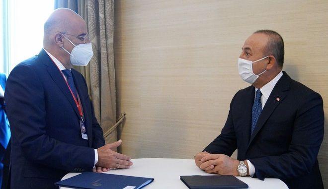 Ο κ. Δένδιας σε συνάντηση με τον κ.Τσαβούσογλου