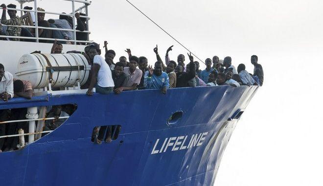 Νέα επίθεση της Ιταλίας στην Μάλτα για την άρνησή της να δεχτεί πλοίο με μετανάστες