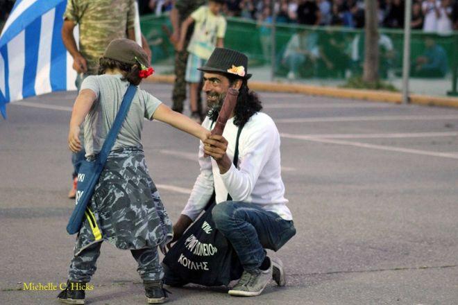 Ματωμένος σαϊτοπόλεμος: Νέο ντοκουμέντο - Ανήλικα παιδιά με σαΐτες