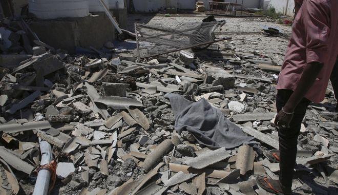Βομβαρδισμός στη Λιβύη. Φωτό αρχείου.